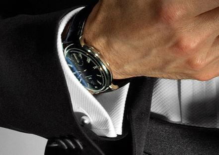 Как носить наручные часы   Старинные часы 91f2a3b184c